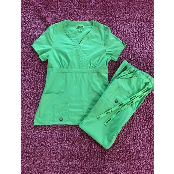 CROCS Lime XS Scrub Top and Pants Set